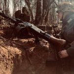 Kulomet MG42 v zákopu